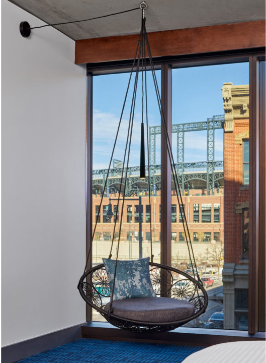 Maven hanging chairs