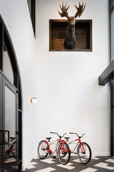 Halcyon foyer