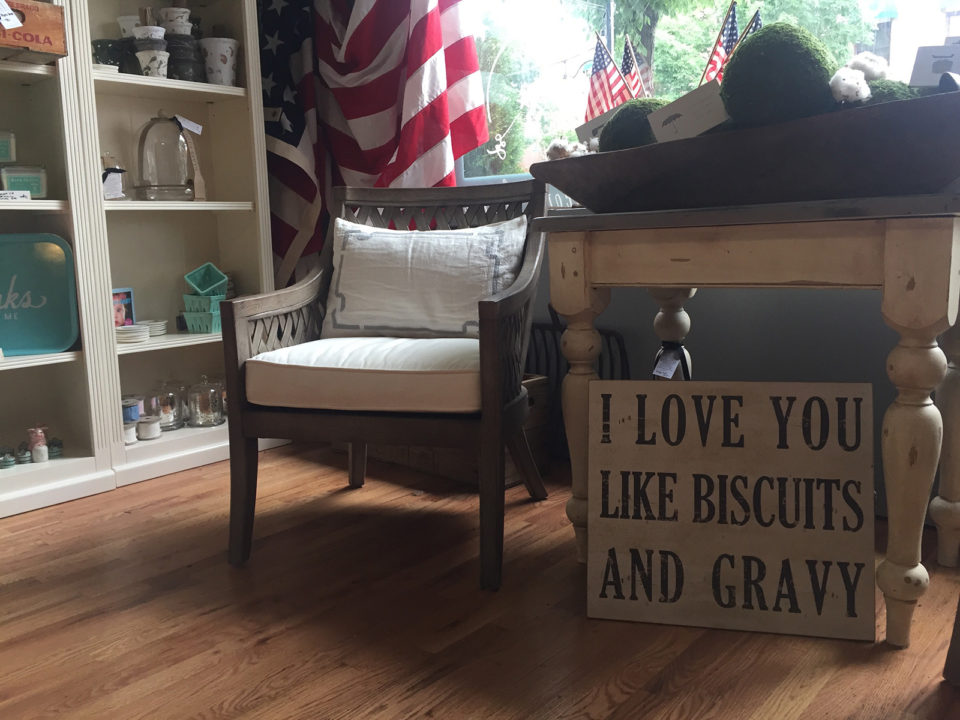 Farmhouse-Chairs-Signs