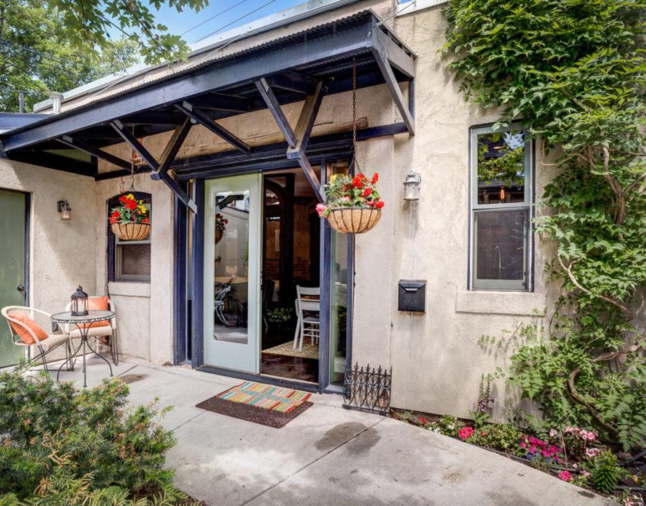 Mick Barnhardt airbnb