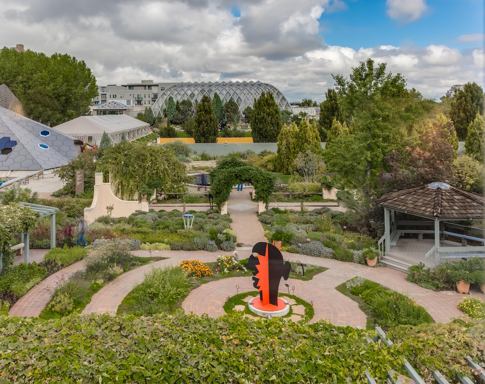 910 gaylord gardens
