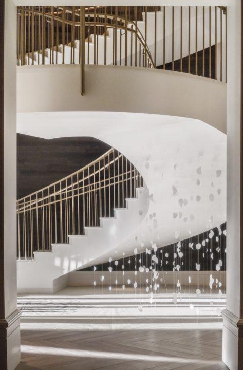 elizabeth hotel staircase