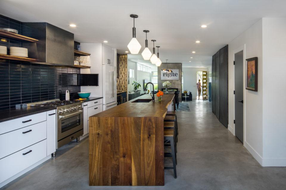 2449 Lawrence kitchen
