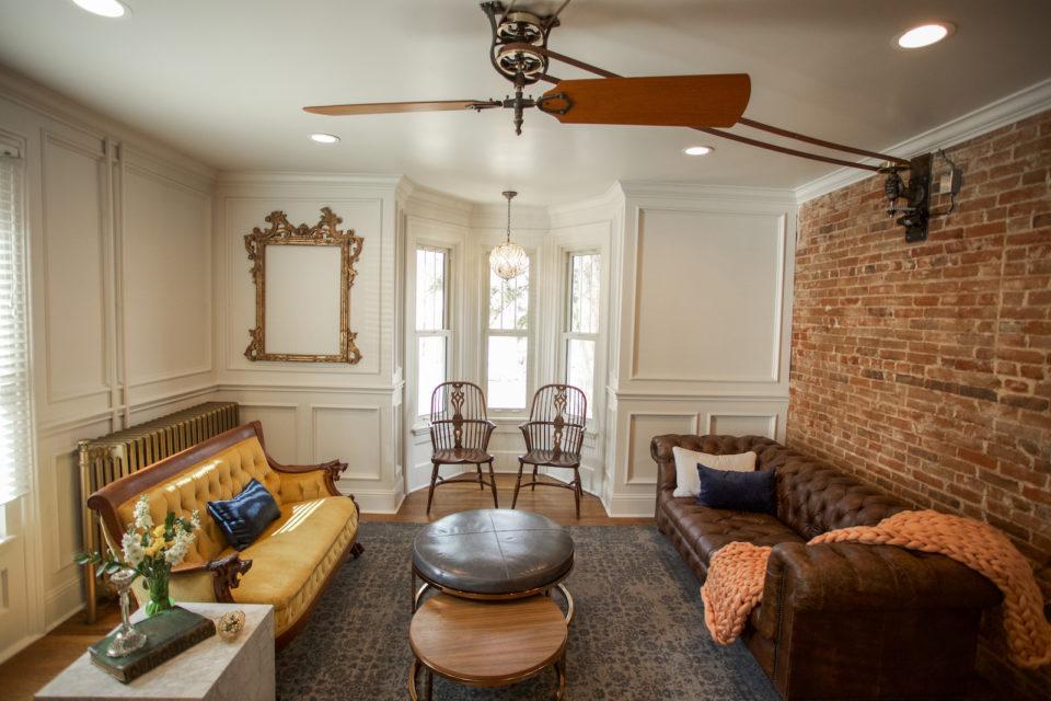 dove inn living room