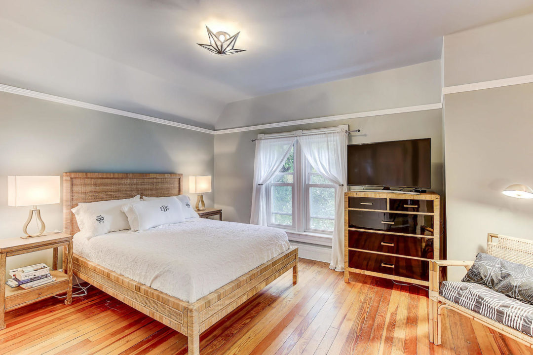 2222 irving master bed photo courtesy of live urban real estate