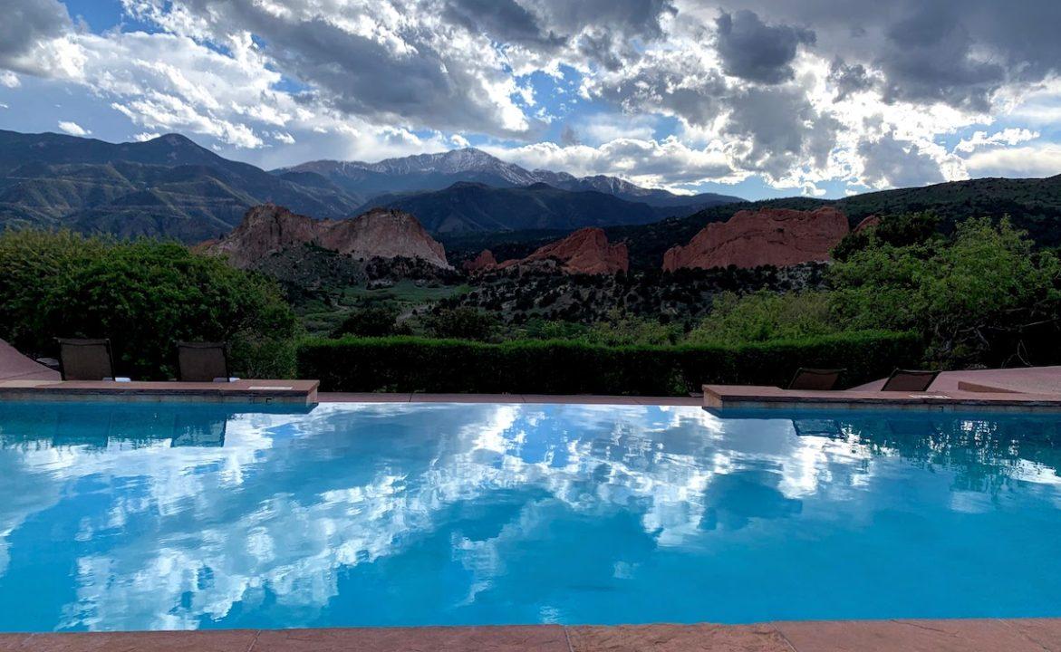 Garden of the Gods Resort & Club, Infinity Pool