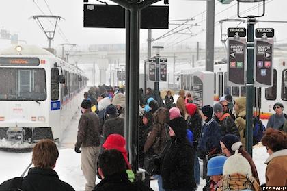 march-2009-blizzard-denver-lightrail